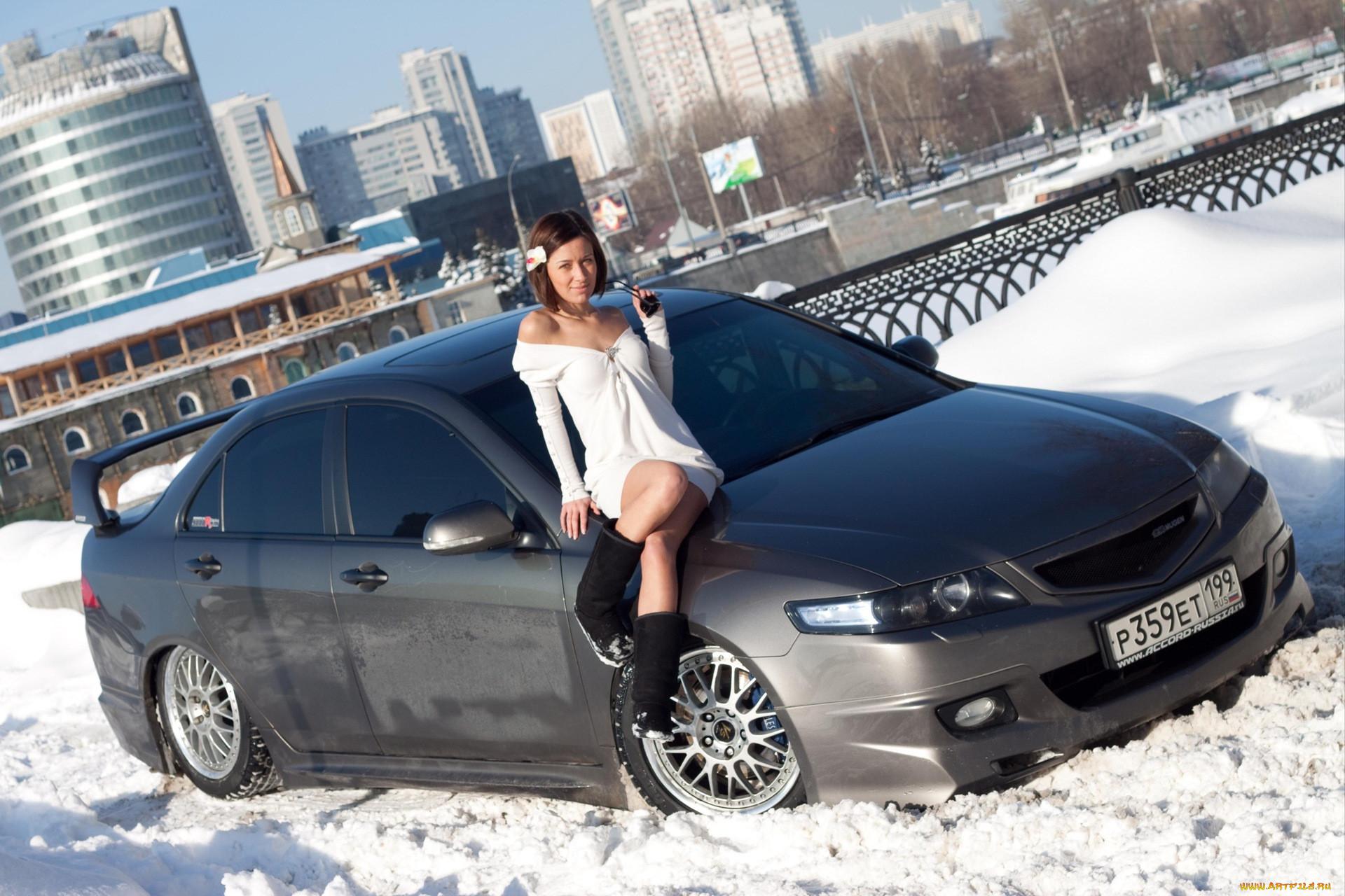 Красивые русские девушки и их машины (50 фото) .